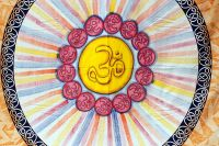Покрывало на кровать из хлопка с символом ом, Индия
